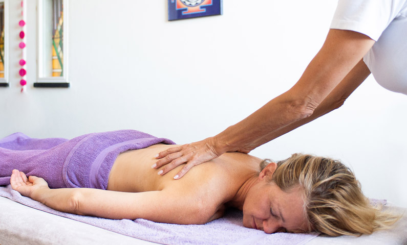 Abyanga massage